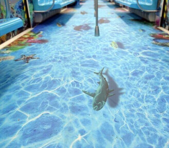 青岛地铁推出海底世界主题车厢 海洋动物惟妙惟肖