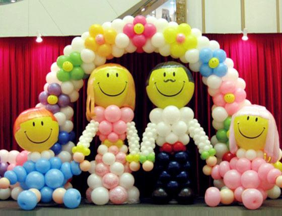 生动的造型设计,用气球编织成各种造型烘托欢乐气氛,来装饰点缀各种